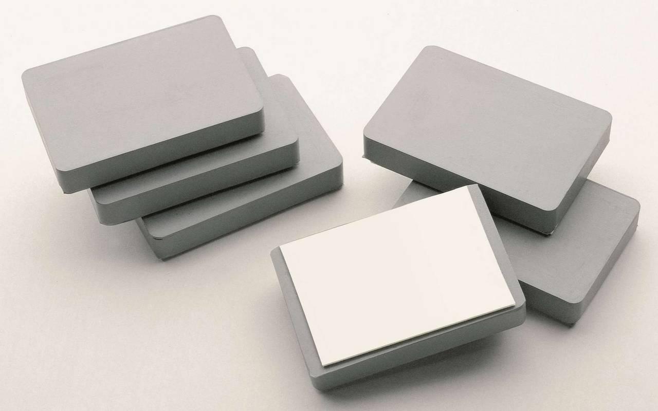 Magnetické bloky k přilepení na stěnu, 53x78x13 mm