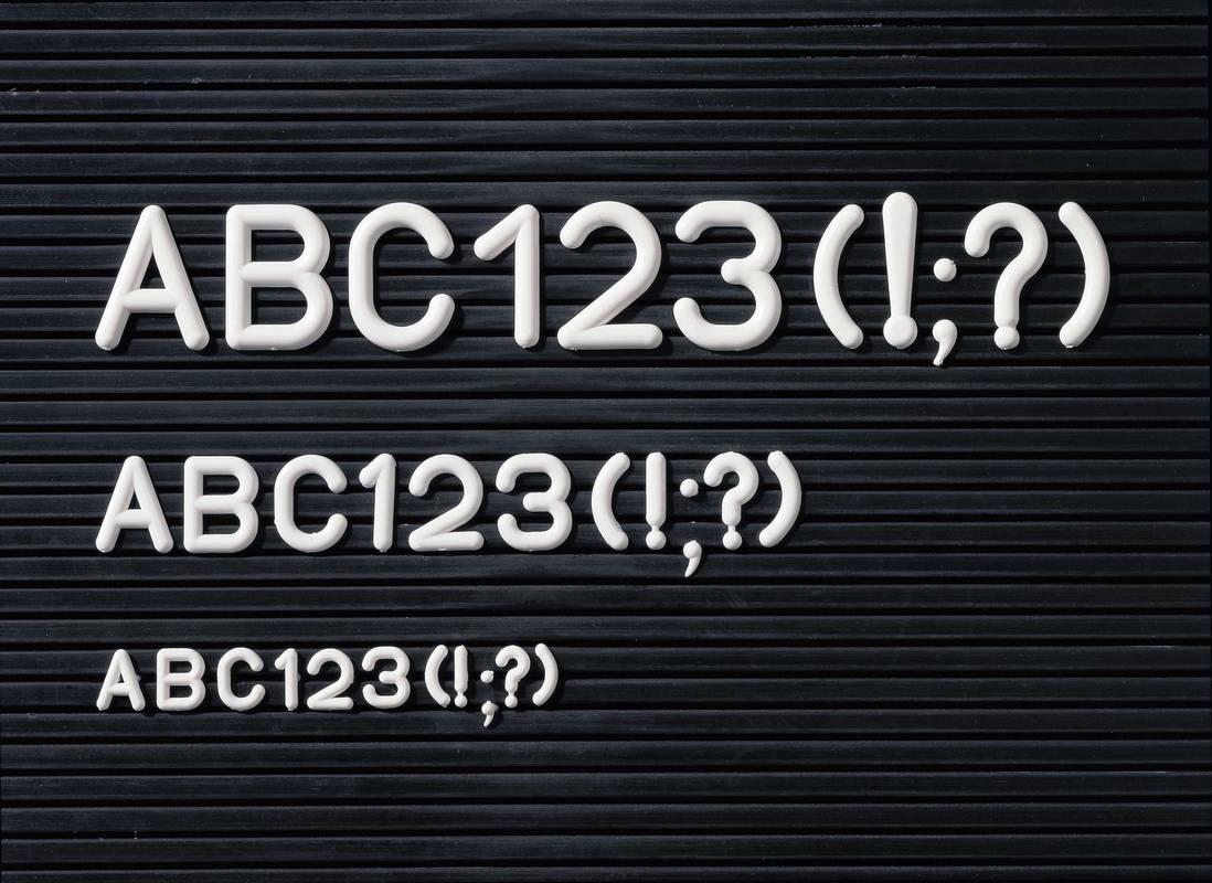 Náhradní sada písmen, číslic a znaků, v. 12 mm