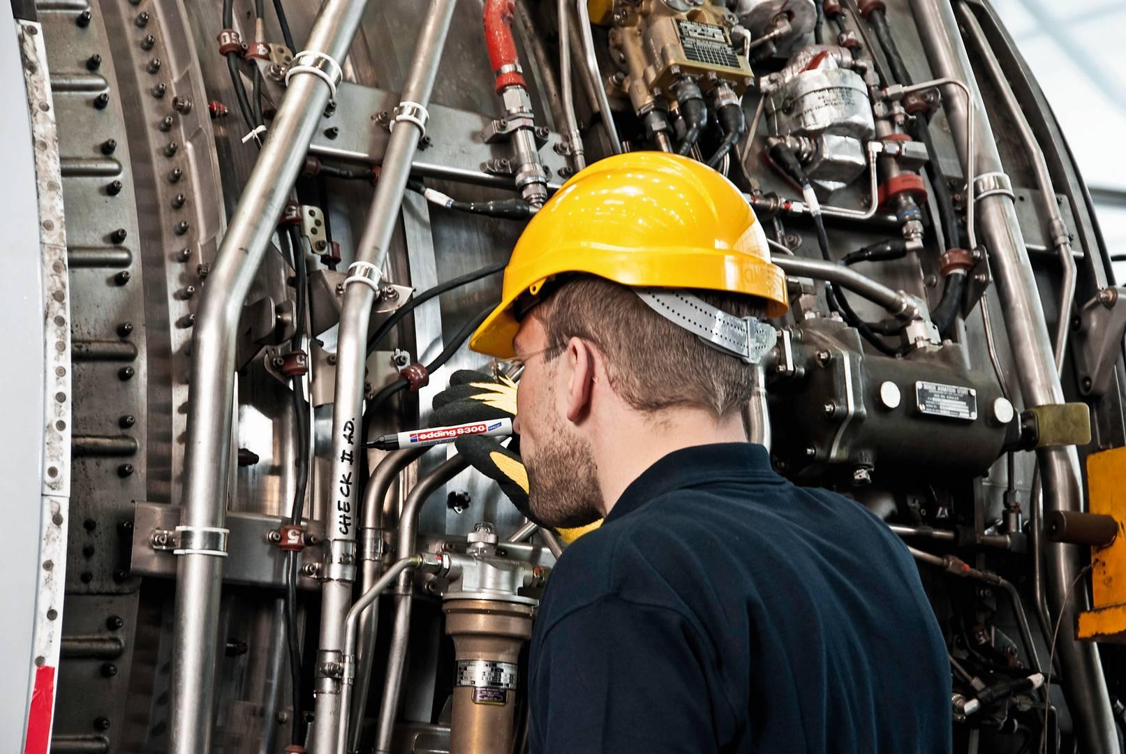 edding 8300 průmyslový permanentní popisovač, kulatý hrot 1.5-3 mm