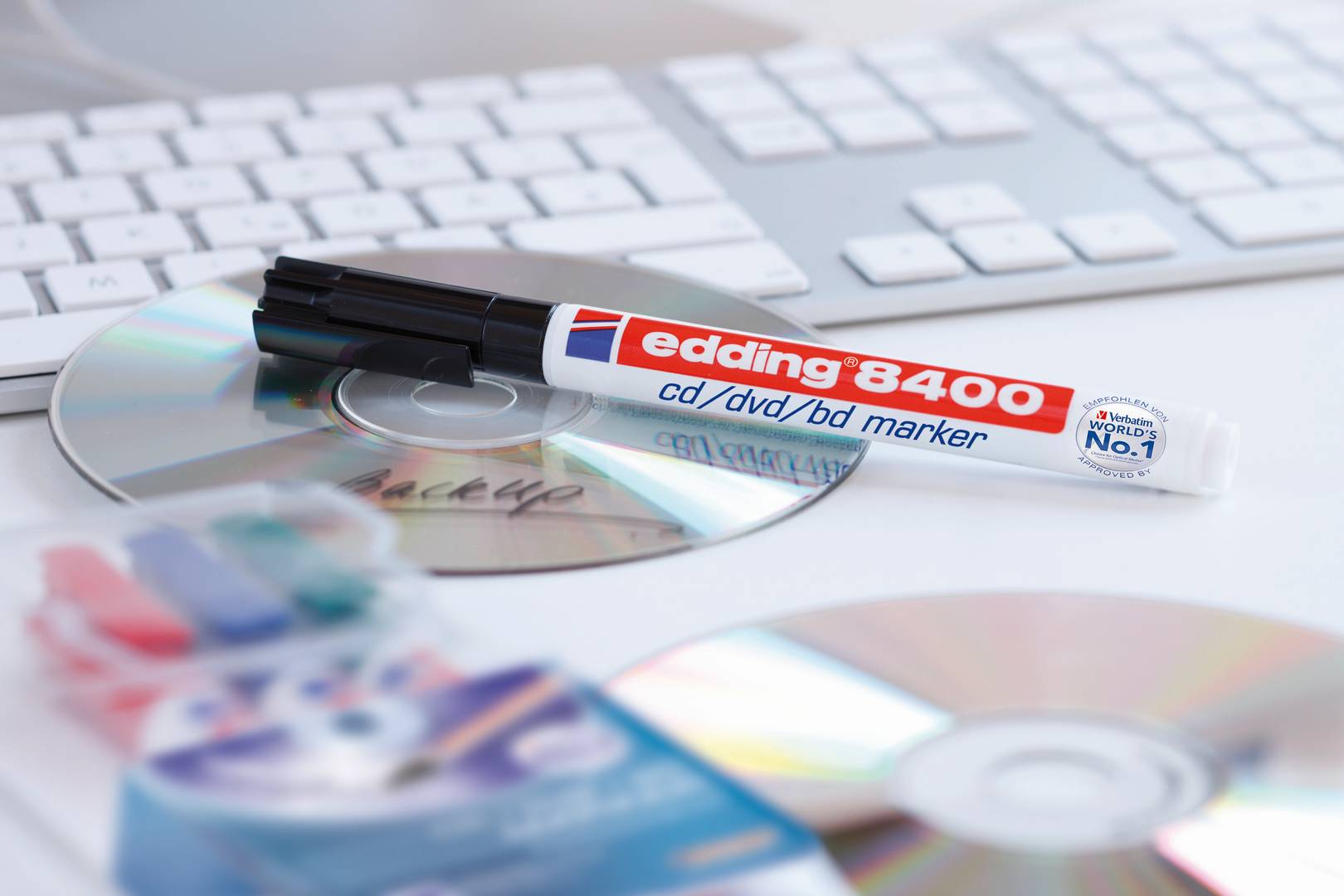 edding 8400 popisovač na CD/DVD/BD, kulatý hrot 0.5 -1 mm, sada 4 ks