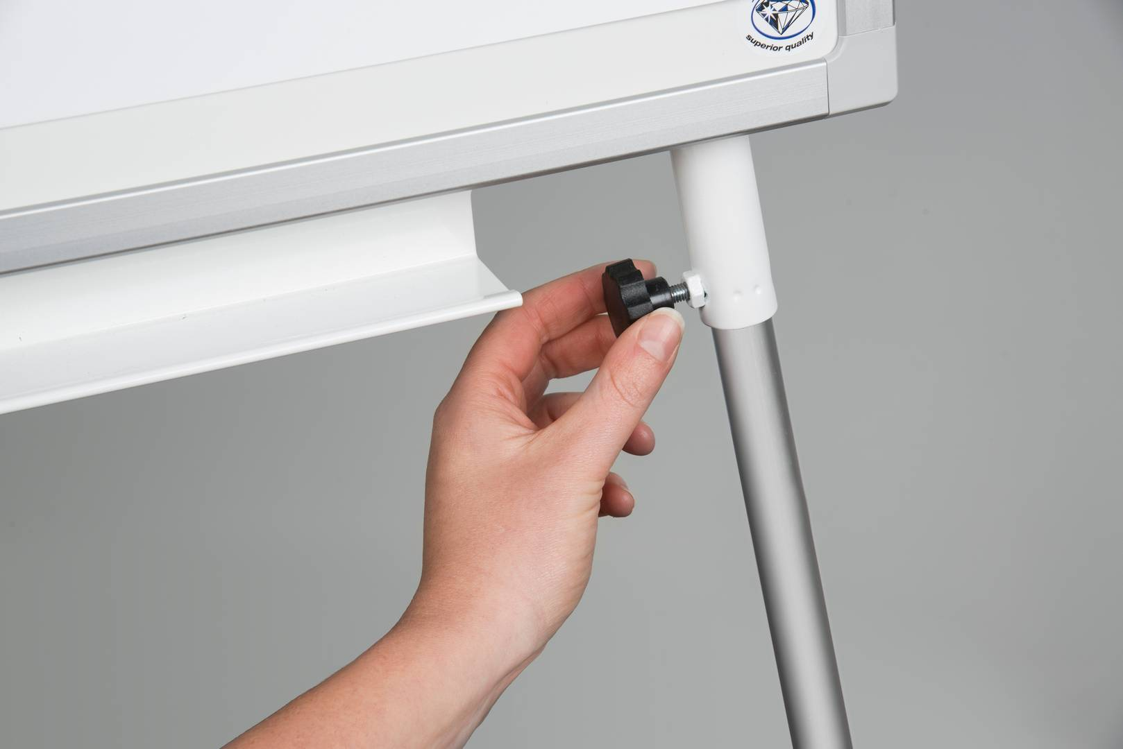Flipchart PROFESSIONAL trojnožka, 107x71 cm, keramický