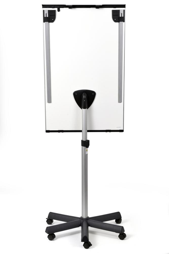Flipchart UNIVERSAL Triangle mobilní, 105x68 cm, lakovaný, 2 ramena